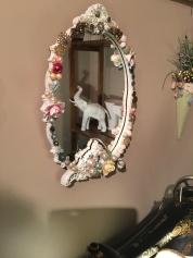 This mirror is super cute