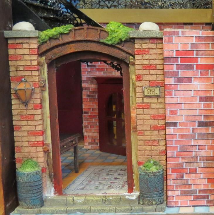 2 entrance detail